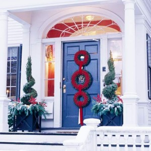 christmas-front-door-decoration-three-wreath